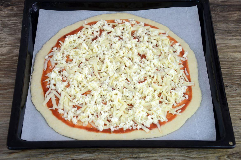 Pizza s četiri vrste sira