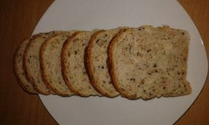 Domaci hljeb sa orasima i mix sjemenkama
