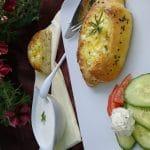 Peciva punjena sirom i aromaticnim biljem