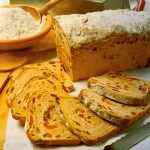 Raženi kruh sa suhim voćem