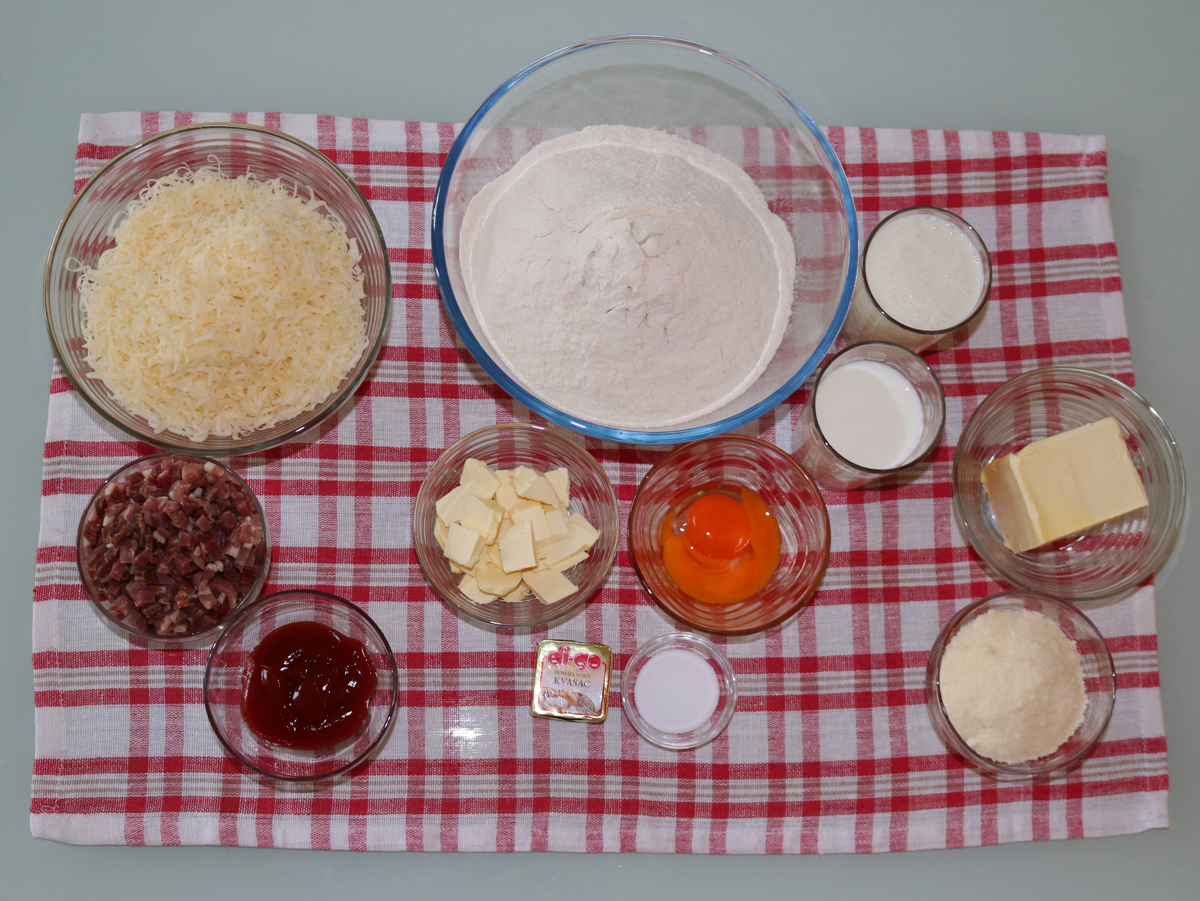 Pužići sa šunkom i sirom