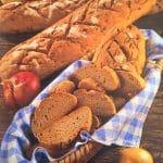 Kruh od integralnog raženog brašna s lukom