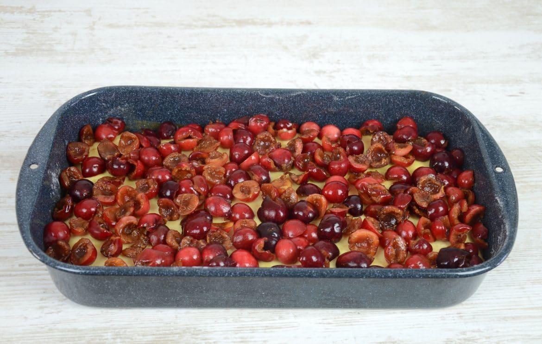 Zaliveni kolač s trešnjama