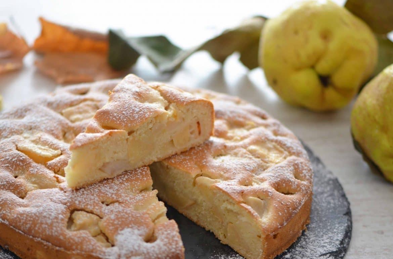 Kolač s jabukama i dunjama